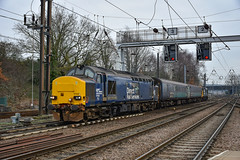 37423 + 37403 - Norwich - 27/12/18. (TRphotography04) Tags: direct rail services drs 37423 spirit lakes 37403 isle mull arrive norwich with 2p17 1117 great yarmouth
