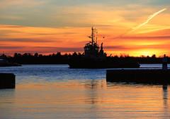E79B1422 - Sunset (Arne J Dahl) Tags: boat canon clouds denmark hals harbor limfjorden nordjylland sky seaview sunset solnedgang vand water veiws
