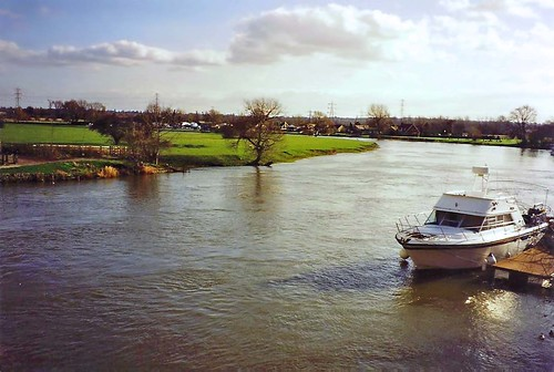 The River Thames at Chertsey, Surrey, 30th January 1994