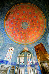Chamber in Topkapi Palace (chrisdingsdale) Tags: topkapi palace interior indoor room chamber ceiling ornate decorative ornamental ottoman architecture rich iznik tile istanbul turkey heritage culture historic landmark structure building arabic islam design dome historical sultan muslim oriental orient middleeast travel medieval tourism circle shape