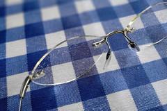 No lo veo nada claro  - EXPLORE,  February 2nd, 2019 (Micheo) Tags: granada spain lluvia rain gafas glasses manchadas borroso blurred mantel cocina cuadros azul explore ok best