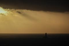lumière ! (mimu_13) Tags: bretagne cledencapsizun europe finistere france pointeduvan architecture coucherdesoleil fyr lighthouse mer paysage phare samsungnx nx500