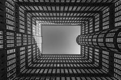 Sprinkenhof, Hamburg (moltofredo) Tags: bw black white sw schwarz weiss noireblanc monochrome urban perspektive perspective architektur architecture