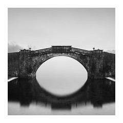 Inverary old bridge (Richard Hunter ARPS) Tags:
