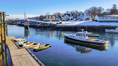 Perkins Cove in February, Maine, USA  20190205_145431 (LarryJ47) Tags: samsung s7 perkins cove maine water boats sky sea floating color landscape seascape