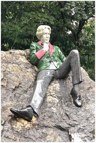 Oscar Wilde Memorial Sculpture in Dublin ..., Ireland ...