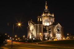 Cathedral of St. Paul, St. Paul, Minnesota (rocinante11) Tags: stpaul minnesota unitedstates night longexposure timedexposure ambient ambientlight lightstreaks church cathedral