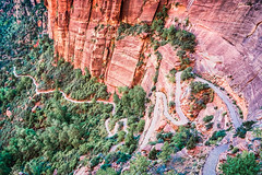 Zion Nationalpark / Utah (Udo S) Tags: angelslanding angelslandingtrail beauty beautyinnature curve distant footpath highangleview hiking landscape nationalpark nature people ravine rockface sshape scenics sharpbend southwestusa travel usa utah valley west windingroad zionnationalpark switchbacks