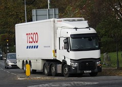 MX67 EFN at Welshpool (Joshhowells27) Tags: lorry truck renault renaultt refrigerated tesco supermarket mx67efn
