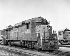 SSW 5004 in Fresno (Steve Sloan, San Jose, CA) Tags: 197079 1978 emd fresno gp30 sp ssw