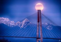 Mooning the bridge (Keylight1) Tags: mjk wolfmoon xt20 fullmoon