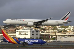 Air France (So Cal Metro) Tags: airfrance boeing 777 773 777300 777300er southwest 737 737700 n479wn fgsqu airline airliner airplane aircraft plane jet aviation airport san sandiego lindberghfield jumbo jumbojet