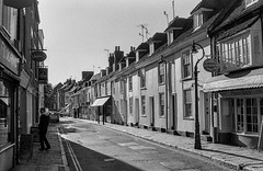 Castle Street (flasqueous) Tags: bnw blackandwhite film roll 400iso 35mm vintage friends house canterbury uk cosy intimate familiar personal candid candidphotography