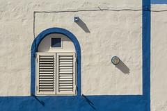 Facade with blue edges (Jan van der Wolf) Tags: map181297ve facade gevel elcotillo fuerteventura shadowplay schaduw schaduwspel shadow blue white edges randen architecture architectuur