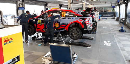 Andreas Mikkelsen's Hyundai At Service in Gap