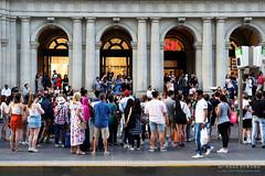 20190202-28-Crowd watching busker in Bourke Street Mall (Roger T Wong) Tags: 2019 australia bourkestreetmall melbourne rogertwong sel24105g sony24105 sonya7iii sonyalpha7iii sonyfe24105mmf4goss sonyilce7m3 victoria busker crowd summer