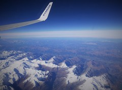 Somewhere above the Italian Alps enroute from Modlin to Alicante (roomman) Tags: 2018 poland spain modlin leal warsaw warszawa alicante italian italy alps mountain mountains wing wings landscape hill hills sky blue winglet b737 737 738 b738 ryanair fr eigje gje wmi alc epmo flight aviation jet transport transportation fly flying travel