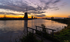 Sunrise in Kinderdijk (Wim Boon Fotografie) Tags: kinderdijk wimboon canoneos5dmarkiii canonef1635mmf4lisusm leefilternd09softgrad holland nederland netherlands natuur nature sunrise windmill molen alblasserwaard