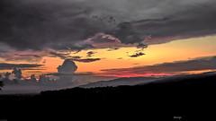 Tra monti nella terra dei due mari (kiareimages1) Tags: tirioloterradeiduemari tiriolo catanzaro calabria sunsets sky clouds colors nature landscapes