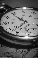 Macro - Watch (aixcracker) Tags: macro makro närbild lähikuva nikonafs200mmf4dmicro 200mm micro nikon d500 nikond500 watch klocka kello old gammal vanha porvoo borgå suomi finland february februari helmikuu winter vinter talvi iso12800