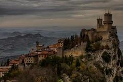 San Marino - panorama (66Colpi) Tags: sanmarino montetitano emiliaromagna castello fortezza panorama autunno landscape borgomedioevale rsm panoramiitaliani rocca nebbia