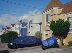 Sunset District // San Francisco (bior) Tags: pentax645nii pentax645 pentax 645 kodakfilm kodak kodaklumiere lumiere slidefilm mediumformat 120 sanfrancisco sunsetdistrict house home rowhouse townhouse car wrapped driveway