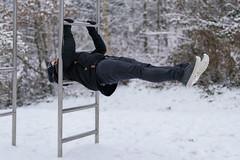 (Ernst_P.) Tags: patrick pisch sport winter schnee calisthenics frontlever volders tirol österreich aut sigma art 50mm f14