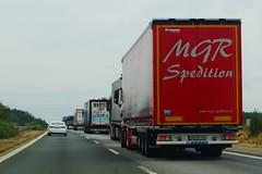 Krone Mega Liner 2017 - MGR Spedition GmbH Oberviechtach, Deutschland (Celik Pictures) Tags: duitsland almanya germany deutschland allemagne seenindeutschland nürnberg würzburg frankfurt köln a3 e56 autobahn autobaan snelweg motorvag highway freeway a3e56autobahnpassaunürnbergwürzburgfrankfurtkölndeutschland vacationphotos roadphotos vehiclephotos shootedonhighway shootedfromhighway shootedfromcar seenata3e56autobahnpassaunürnbergwürzburgfrankfurtkölndeutschland sadgr148 krone mega liner 2017 mgrspeditiongmbh oberviechtach