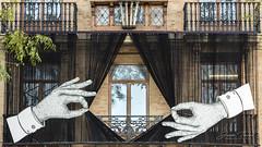 Pasen y vean. (Juan Tecles) Tags: valencia manos pasen y vean circo edificio origina