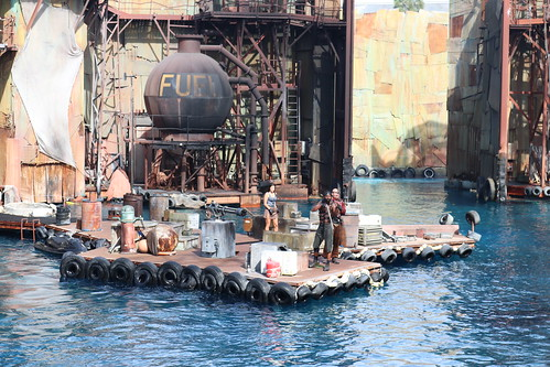 "Universal Studios Waterworld Attraction • <a style=""font-size:0.8em;"" href=""http://www.flickr.com/photos/28558260@N04/45454878014/"" target=""_blank"">View on Flickr</a>"