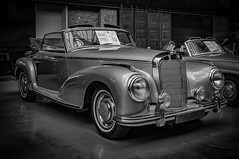 MERCEDES-BENZ 300 S CONVERTIBLE - b&w (Peters HDR hobby pictures) Tags: petershdrstudio hdr classiccar car classicremise convertible blackwhite klassiker mercedesbenz mercedes auto oldtimer cabriolet