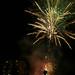 Neujahrs-Feuerwerk beleuchtet den Nachthimmel über Overveen, Niederlande