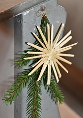 Decorated pew in Bürden´s church (Gerlinde Hofmann) Tags: germany thuringia village bürden church pew christmasstar decoration christmas weihnachten2018 handmade