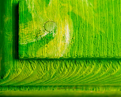 Verde (risaclics) Tags: macro mondays green 60mmmacro nikond610 november2018 abstract texture wood macromondays lookingcloseonfriday verdes