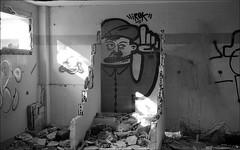 181111_Psiquiatrico_002 (Stefano Sbaccanti) Tags: bw blackandwhite analogicait analogue argentique bianconero leicam5 kentmere400 psiquiatrico asylum urbex urbanexploration abandonado 2018 50summicron spain