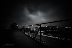 BW Twilight (Thomas TRENZ) Tags: austria dämmerung nacht night stadt thomastrenz vienna blackwhite bridge brücke bwsw city lines path schwarzweiss twilight ultra way weg weitwinkel wideangel wien österreich