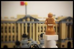 Lego - 21029 - Buckingham Palace (Moro972) Tags: minifigures micro microminifigure dettaglio details sfocatura blur focus iphone6 cornice border gold oro buckinghampalace architecture lego 2018 21019