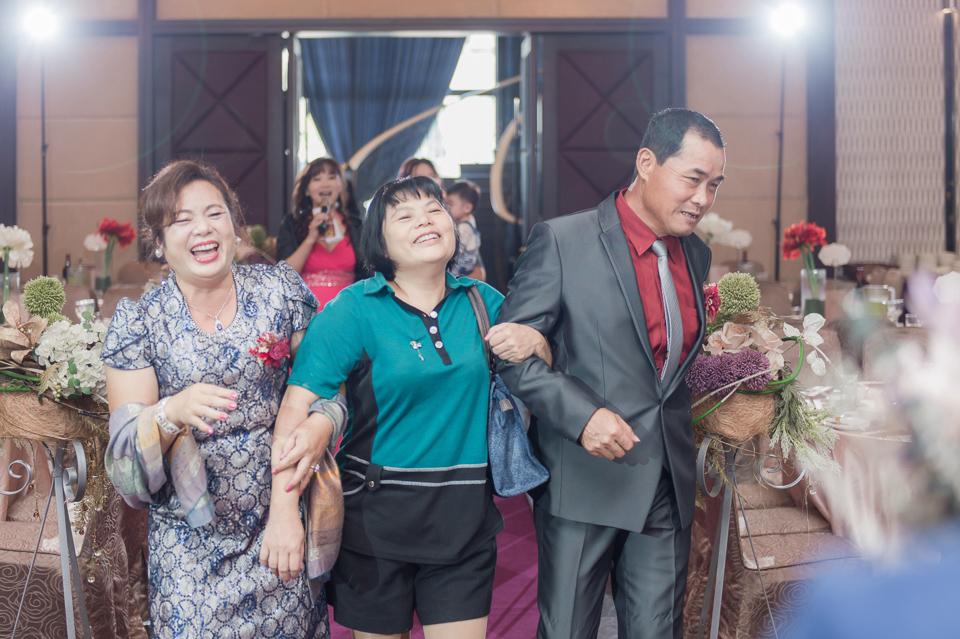 台南東東宴會式場 婚宴 走在幸福的紅毯上 R & B 096