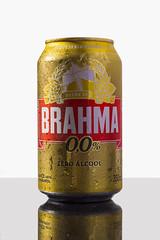 Brahma 0,0 (Alvimann) Tags: alvimann brahma00 brahmazeroalcohol brahma0 brahmaceroalcohol brahmasinalcohol sinalcohol noalcohol nonalcoholic brahma 00 lagerbeer cervezalager beer cerveza rubia blonde brazil brasil brasilera brazilian industrial bebe bebida beber beverage beers alimento taste tastes sabor sabores drink drinking montevideouruguay montevideo bottle botella fotografia producto fotografiadeproducto productphotography product photography photo foto marca marketing brand branding label labels etiqueta etiquetas drop drops gota gotas chill chilled frio fria