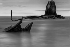 Submarine Rock (jp1422) Tags: whitby saltwickbay sea wreck shipwreck seascape nd blackandwhite monochrome cokin filter jp1422 nuance 10stopper submarinerock admiralvantromp