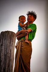 A Burmese Father & His Baby On U Bein Bridge (El-Branden Brazil) Tags: myanmar burma burmese parent baby father southeastasia asian asia mandalay ubeinbridge happyplanet asiafavorites