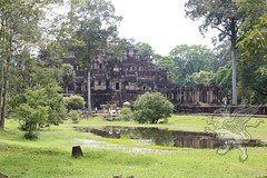 Angkor_Baphuon_2014_02