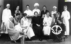 tm_6004 - Eskilstuna jernbolag. (Tidaholms Museum) Tags: svartvit positiv fotografier eskilstuna fotograf mjölkkanna kaffe bröd