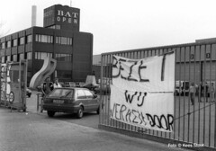 British American Tobacco-fabriek Amsterdam 1991 (k.stoof1) Tags: bat british american tobacco fabriek amsterdam demonstratie demonstration sluitting cor stoof