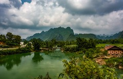Quay Son River (Rod Waddington) Tags: asia vietnam vietnamese north quay son river valley mountains landscape water houses trees karst karstic road village nature
