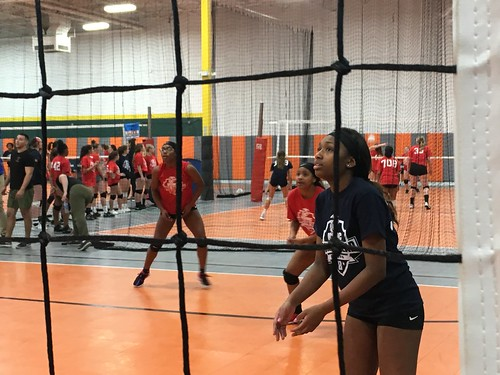 """Waterford Volleyball • <a style=""""font-size:0.8em;"""" href=""""http://www.flickr.com/photos/152979166@N07/31222010557/"""" target=""""_blank"""">View on Flickr</a>"""