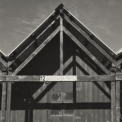 Monte Gordo (Santhero) Tags: europe portugal algarve guadiana vilarealdesantoantonio bw blackandwhite montegordo madera textura casetadepescador playa atlántico