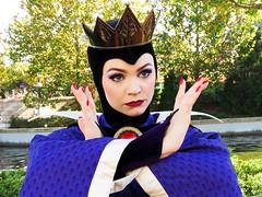 The Queen (meeko_) Tags: queen evil evilqueen villain snowwhite snowwhiteandthesevendwarfs characters disneycharacters internationalgateway worldshowcase epcot themepark walt disney world florida