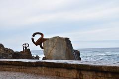 Peine del Viento (manon.sln) Tags: spain san sebastian peine del viento eduardo chillida pais vasco mer nikon houle côte rochers