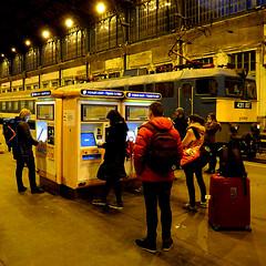 Budapest - Nyugati Station (pom'.) Tags: panasonicdmctz101 november 2018 hungary europeanunion budapest train station nyugati nyugatistation 100 people 431 007 431007 vonatjegy 200